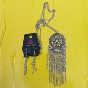 🌼NWT🌼 Sunny Sunflower Silver Necklace & Earrings